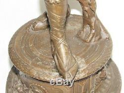 08F17 ANCIENNE STATUE EN RÉGULE MUSIQUE LA TARENTELLE ZAMPOGNA CORNEMUSE H 57 cm