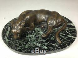 Ancien Bronze Animalier Une Lionne Sur Socle En Marbre Signe H. Payen