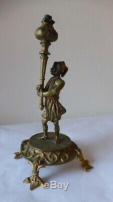 Ancien bronze patiné. Maure porte torchère XIXème Statue. Antique sculpture