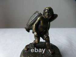 Ancien petit presse-papier bronze. Statuette Amour. Small paperweight. Clipboard
