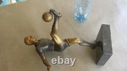 Ancien trophée sculpture en régule, FOOTBALLEUR sur marbre. Haut 34.5 cm