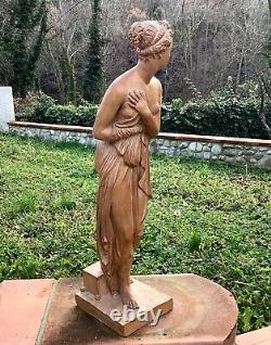 Ancienne Grande STATUETTE Jeune Femme Nue Drapée en TERRE CUITE Signée FABREGA