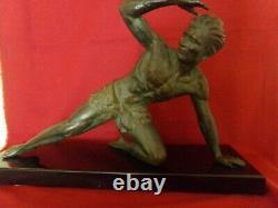 Ancienne Sculpture-Statue Art Déco signé J. De Roncourt T. Bon état