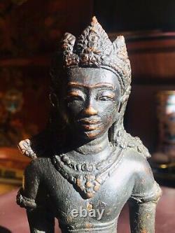 Ancienne Statue En Bronze Kubera
