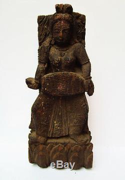Ancienne danseuse céleste en bois Apsara Tika Tilak Inde 18e