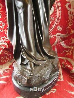 Ancienne grande statue sculpture vierge marie a l enfant regule socle marbre