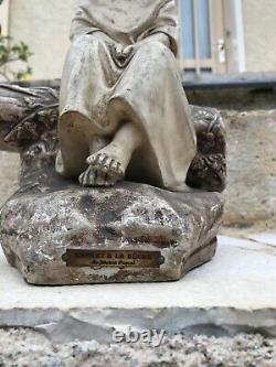 Ancienne sculpture statue en platre enfant a la buche de michel pascal H=34 cm