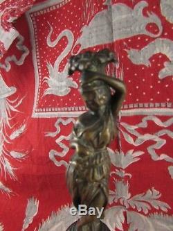 Ancienne statue sculpture en bronze demeter epoque XVIIIe siecle sur colonne