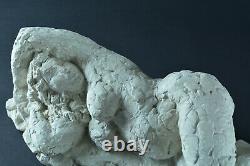 Ancienne statue sculpture en plâtre atelier étude nu féminin allongé Maternité