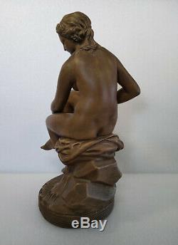 BAIGNEUSE ASSISE Ancienne statue 50 cm en terre cuite d'après FALCONET sculpture