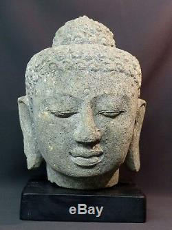 C ancienne tête du Bouddha sculpture en pierre 24kg36cm Java rare et très déco