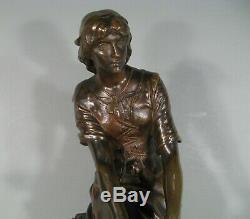 Jeanne D'arc Bergère A Domremy Ancienne Sculpture En Bronze Signée Massoulle