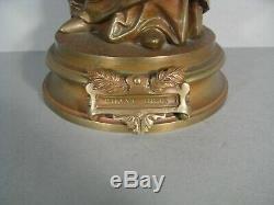 Sculpture Ancienne Jeune Femme Choriste Chanteuse Chant Divin Bronze Signé Debut