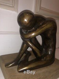 Statue Bronze Signée B. P Homme Assis Pensif Socle Bois Ancien Vintage Sculpture