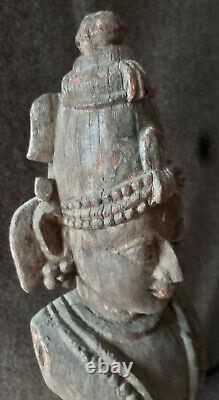 Statue ancienne en bois. Inde. Krichna. Vishnu. Carved wood statue. India
