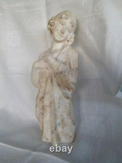 Statue en marbre ancienne. Très élégante. Sourire DLG de Carpeaux. 28cm de ht