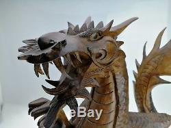 Très Grand Dragon Ancien, en Bois D'Acajou Sculpté. Statue, Sculpture