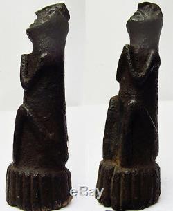 Très ancien et rare ancêtre népalais en pierre Gardien de Source Népal 17e