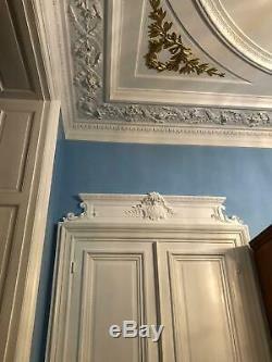 Très grand fronton dessus double porte. 160 cm. Style ancien XVIIIe. Réédition