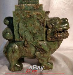 Vase Chine Ancienne Serpentine Sculptée Style Archaïque Chien de Fô & Éléphants